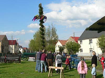 Maibaumstellen Hirschfeld 2006